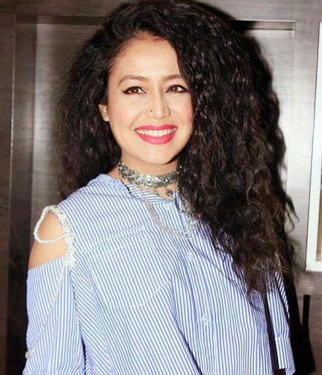 Get Neha Kakkars Hairstyle At Home Neha Kakkar