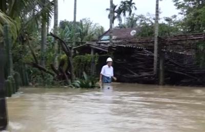 Quảng Ngãi: 1.200 ngôi nhà bị ngập, 3 người chết và 1 người mất tích do lũ lụt