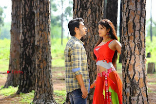 Ram Karthik Bhanu Sri starring Iddari Madhya 18 Movie Stills  0010.jpg