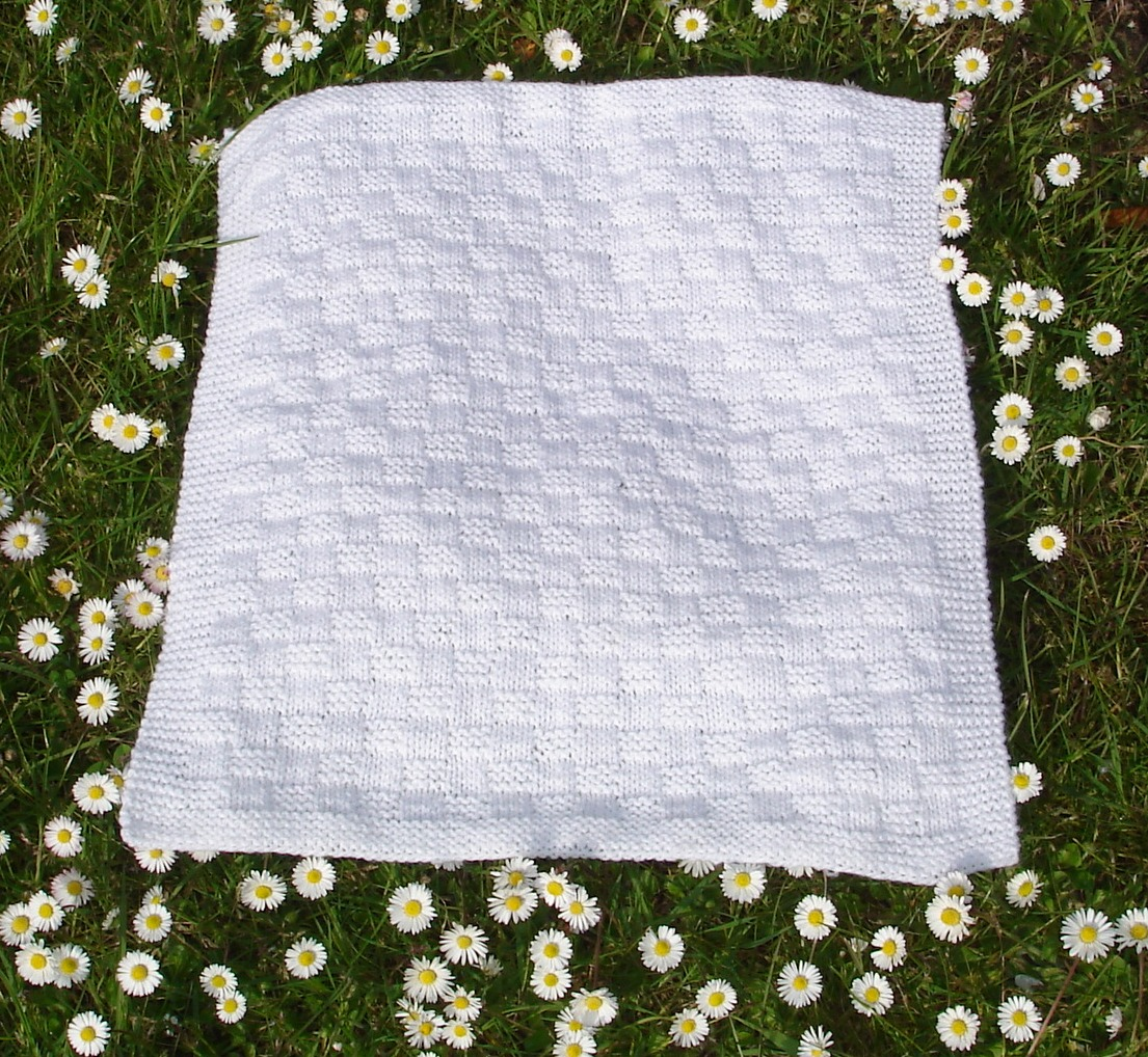 Knitting Blankets For Charity : Marianna s lazy daisy days premature baby blankets