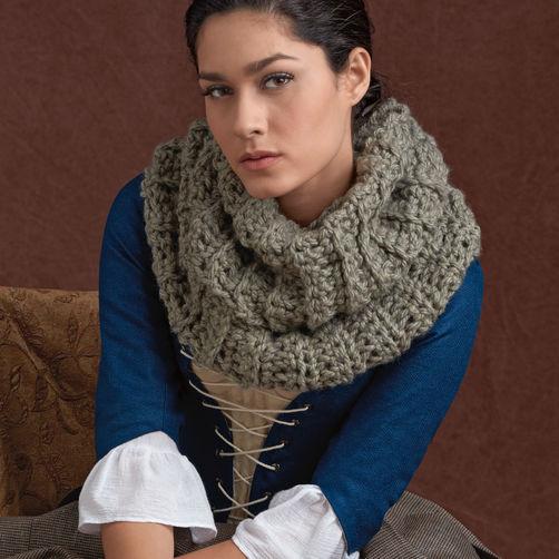Simplicity 8161 Outlander Costume Plus Free Outlander Crochet Cowl