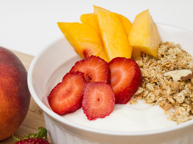 Mango And Strawberry Muesli