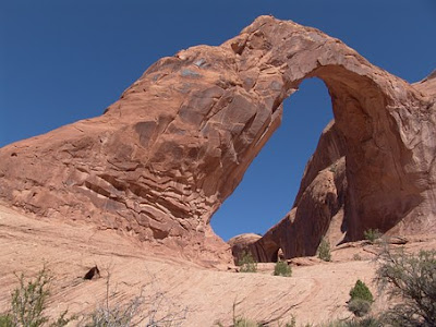 Arco-Corona-Moab-Utah-Erosao