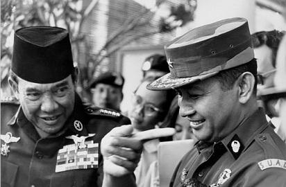 Menilik Sejarah: Perbedaan Orde Lama dan Orde Baru