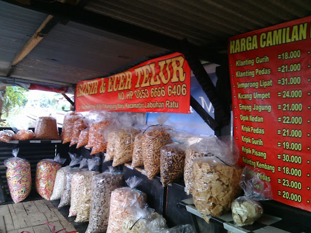 Penjual Cemilan Kiloan Di Kampung Baru Bandar Lampung