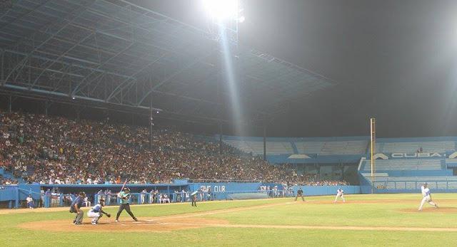 Ahora, en momentos así, donde se trata de hacer renacer el béisbol en Cuba, el momento se pinta solo para avanzar