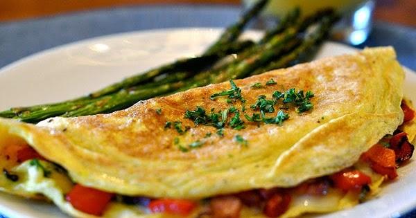 Resep Sarapan Praktis Omelet Telur Tahu dengan Taburan Daun Bawang Enak