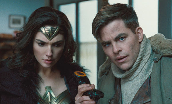 Diana (Gal Gadot) and Steve Trevor (Chris Pine) in WONDER WOMAN (2017)