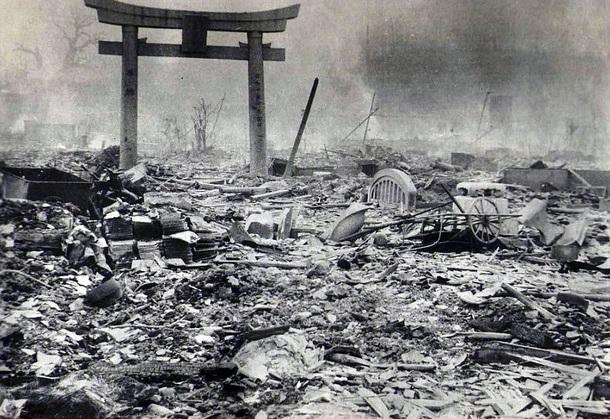 perang nuklir hiroshima nagasaki amerika