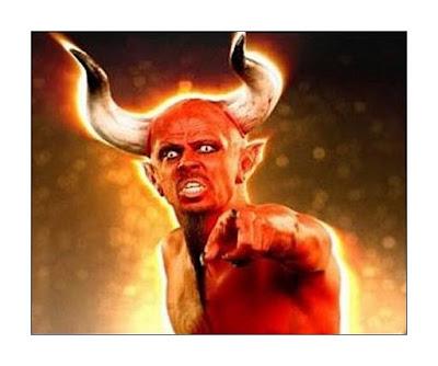Setan Berkelahi dengan Setan