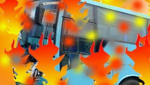 Sadis, Sopir Bakar Bus Sendiri Yang Berisi Anak Sekolah