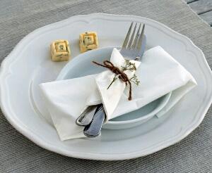 cara membedakan peralatan makan aman