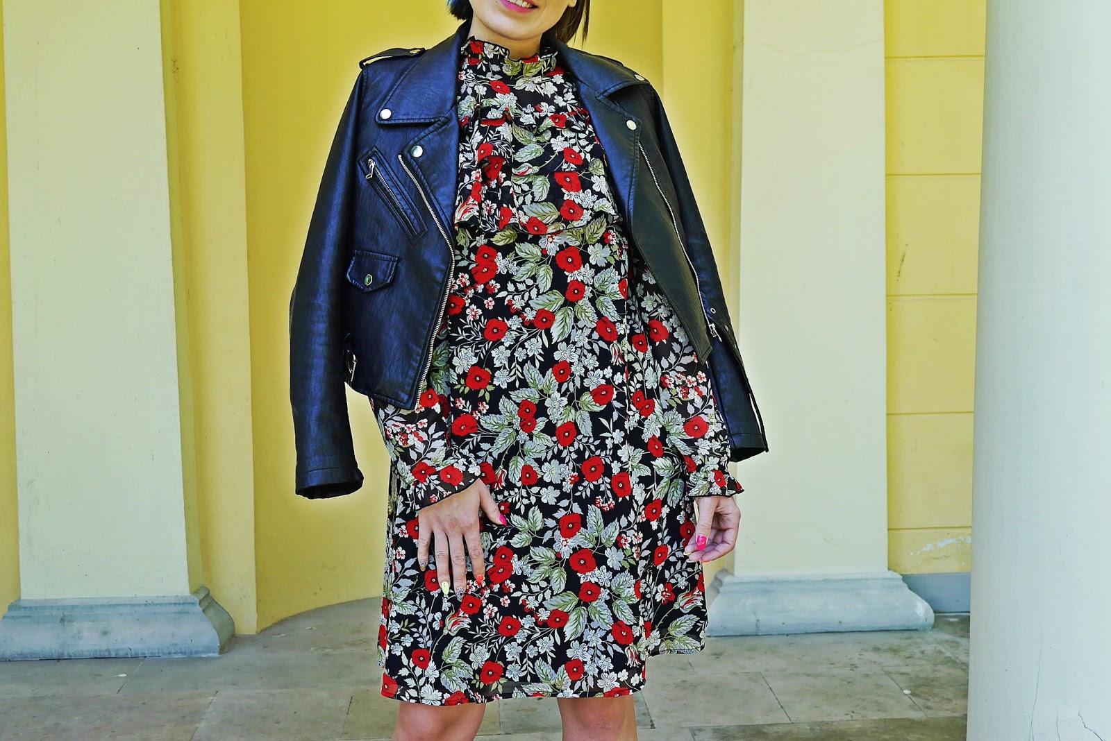 10_sukienka_falbanki_kwiaty_bonprix_skarpetkowe_botki_renee_karyn_blog-Modowy_140518