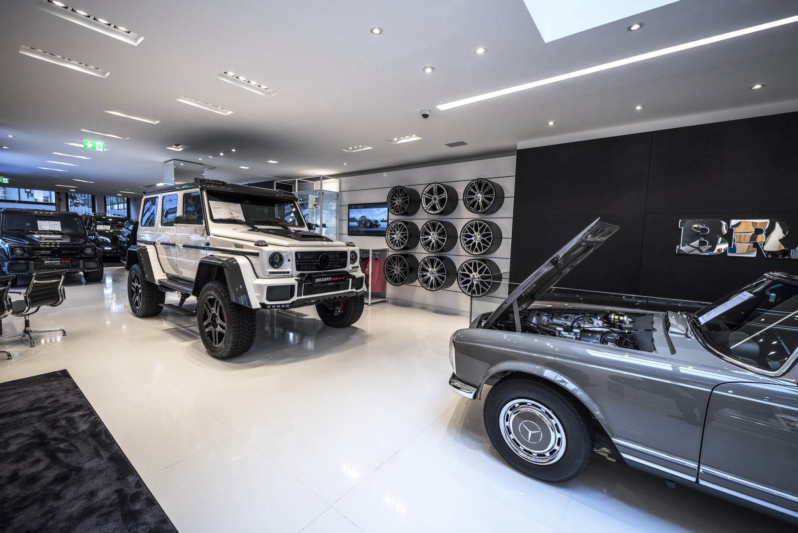 visiting germany check out brabus 39 new flagship showroom. Black Bedroom Furniture Sets. Home Design Ideas