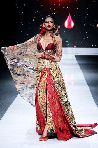 Baju Model Kebaya Akad NIkah Warna Merah Anne Avantie