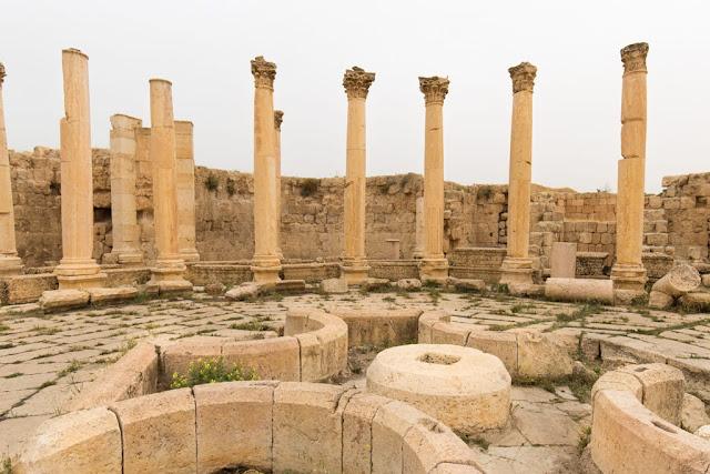 Ruinas del Ágora de la ciudad romana de Jerash