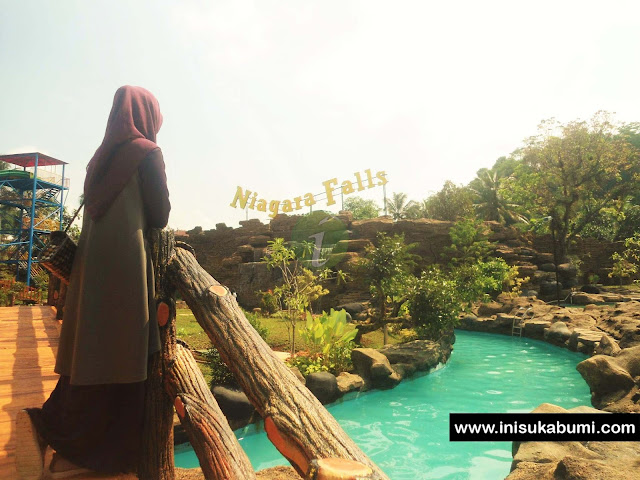 Niagara Fall ( Racing Slide ) Santasea Waterpark Sukabumi,