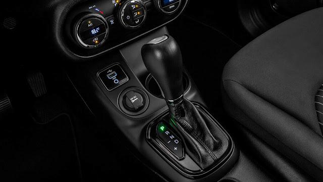 Fiat Toro 2.4 Flex Automática 2017 - câmbio automático