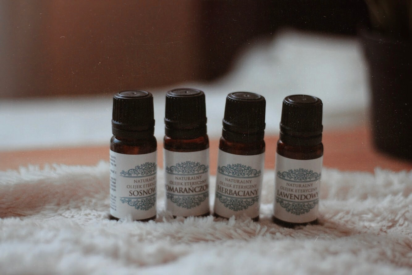 Olejki eteryczne cz. II - właściwości i zastosowanie olejków z drzewa herbacianego, lawendy, pomarańczy i sosny