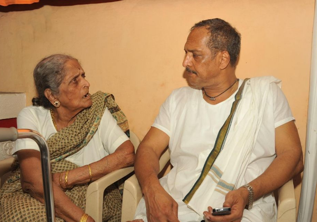 Nana Patekar Paying Tabla
