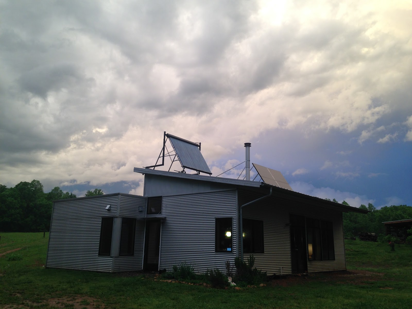 Modern Off Grid Prefab House Contemplates The Zombie