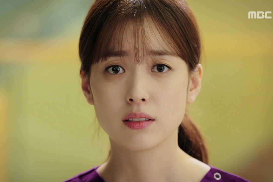 Phim W - Two Worlds tập 9: Lần đầu gặp lại câu nói của Lee Jong Suk khiến Han Hyo Joo òa khóc-2016