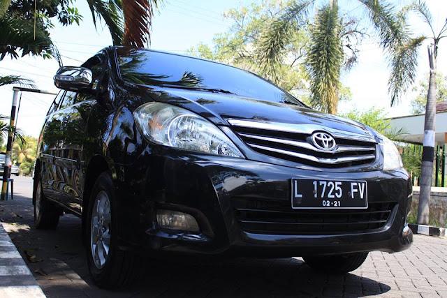 Toyota Kijang Innova tahun 2010 bekas