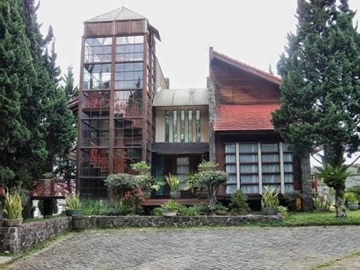 Villa Tower istana bunga Lembang