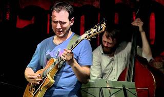 El guitarrista Albert Vila en El Círculo de Bellas Artes de Madrid - España / stereojazz
