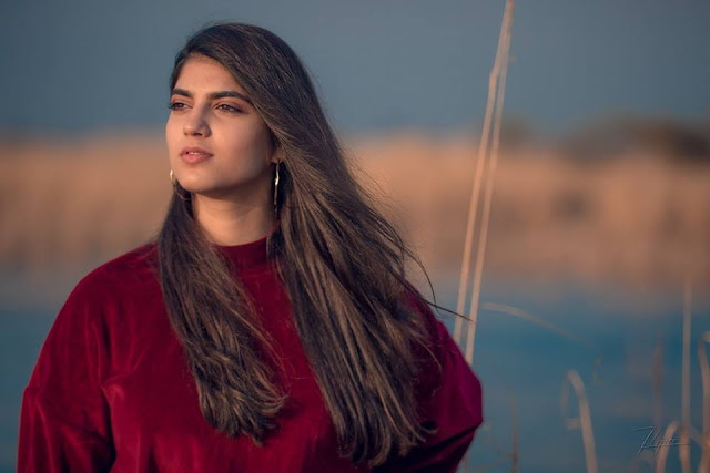 Sanya Shahzad is a Pakistani Singer, Songwriter, and composer.