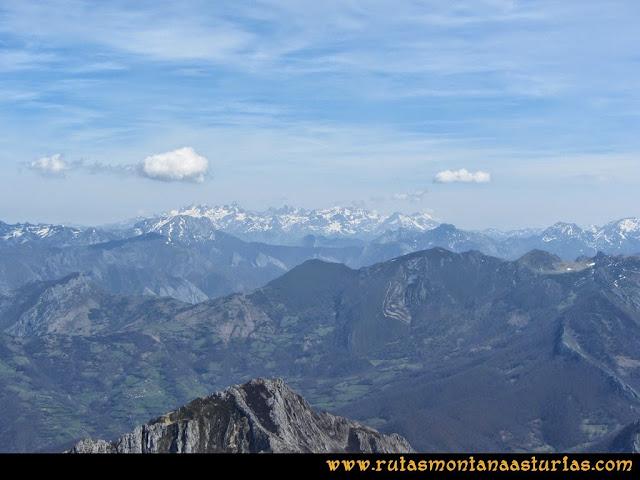 Ruta Retriñon: Vista de Picos de Europa