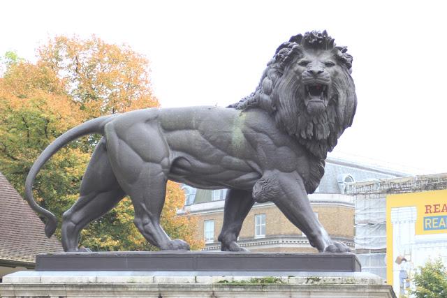 פסל האריה השואג ברדינג