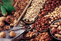 Manfaat kacang mete bagi lansia