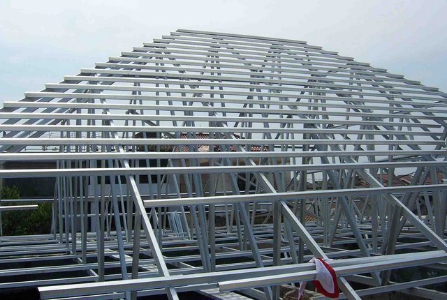 contoh rangka atap baja ringan minimalis model / bentuk limas - ...