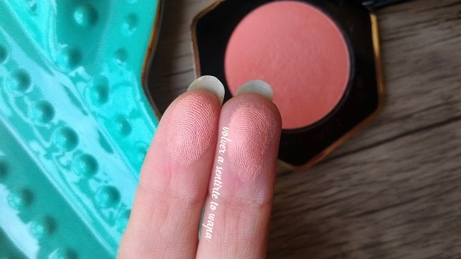 Swatches del colorete Cantaloupe de h&m