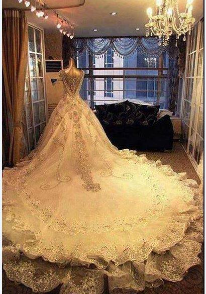 Vestido de novia elegante y moderno de encaje