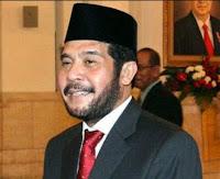<b>Ketua MK Serahkan Penggunaan Masjid Tumpu Secara Simbolis</b>