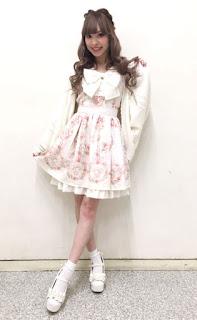 http://ameblo.jp/lizlisa-official/entry-12250582454.html