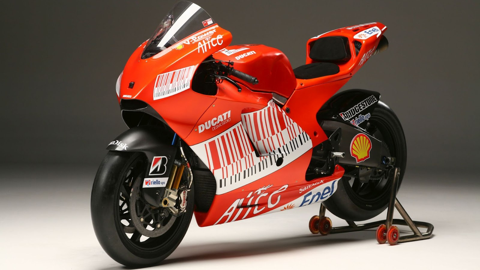 Ducati Sports Bike - Cars Wallpapers