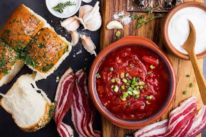 Top 8 Foods in Russia Must Taste