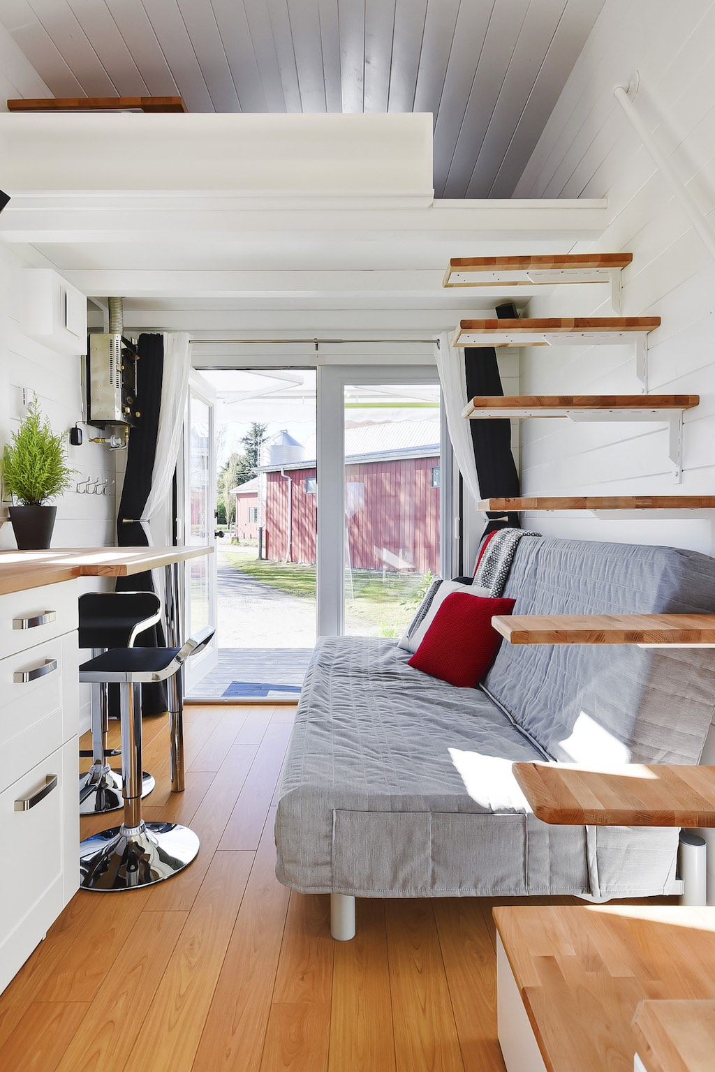 a custom tiny home by tiny living homes tiny house town. Black Bedroom Furniture Sets. Home Design Ideas