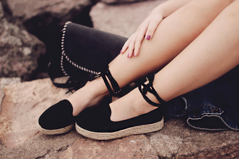 lace up black espadrilles outfit