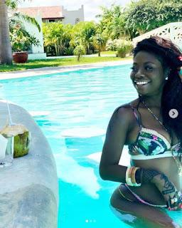 Sophia Momodu in sexy bikini