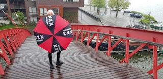 le parapluie n'est pas une bonne idée à Amsterdam
