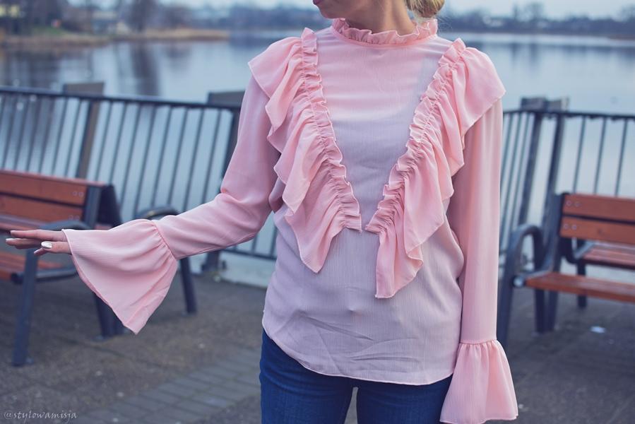 koszula, różowa, jak wyglądać słodko