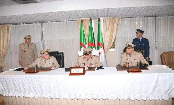 الفريق قايد صالح يشرف على تنصيب القائد الجديد للقوات البرية اللواء سعيد شنقريحة