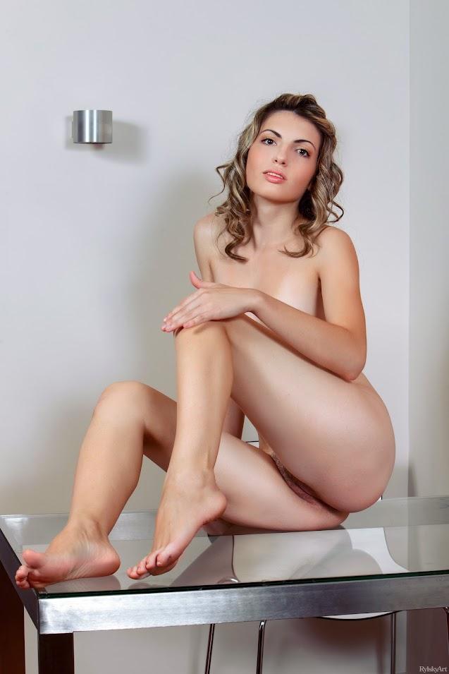 RylskyArt Maggie Lytse