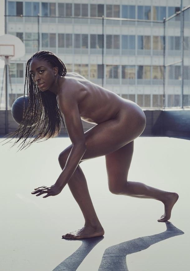 naked-wnba-player