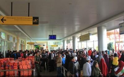 Heboh, Bandara Ricuh Dikarenakan 120 Penumpang Lion Air Ngamuk Ditinggal Terbang