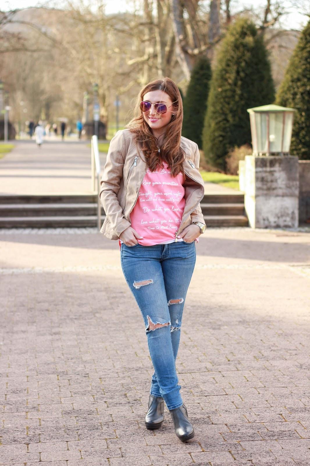 Fashionblogger aus Frankfurt - Frankfurt Blogger - German Fashionblogger - Fashionblog - Weiße Hose - Weiße Jeans - Streetstyleinspiration